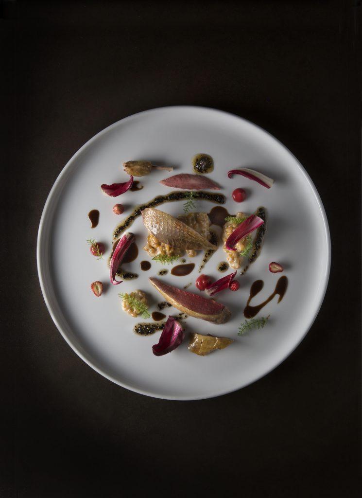 Pigeon, fraises, petit épautre@Eduardo Torres