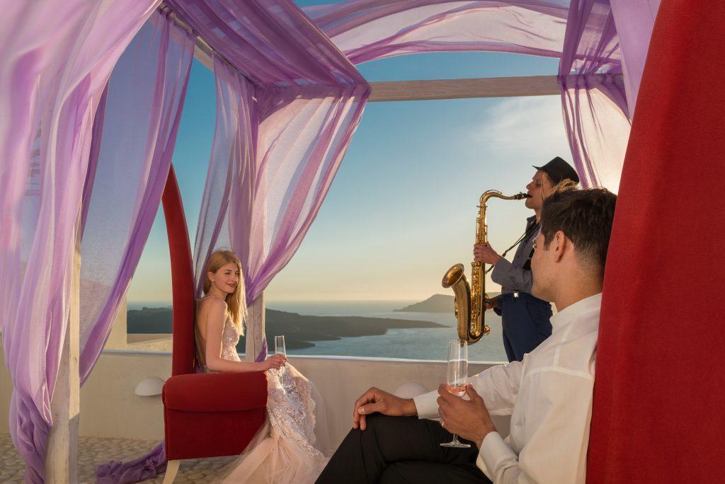 Nicht nur für die Flitterwochen, aber ganz sicher für sie ...: Andronis Honeymoon